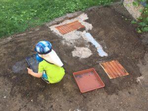 DIY: Barfußpfad im Garten
