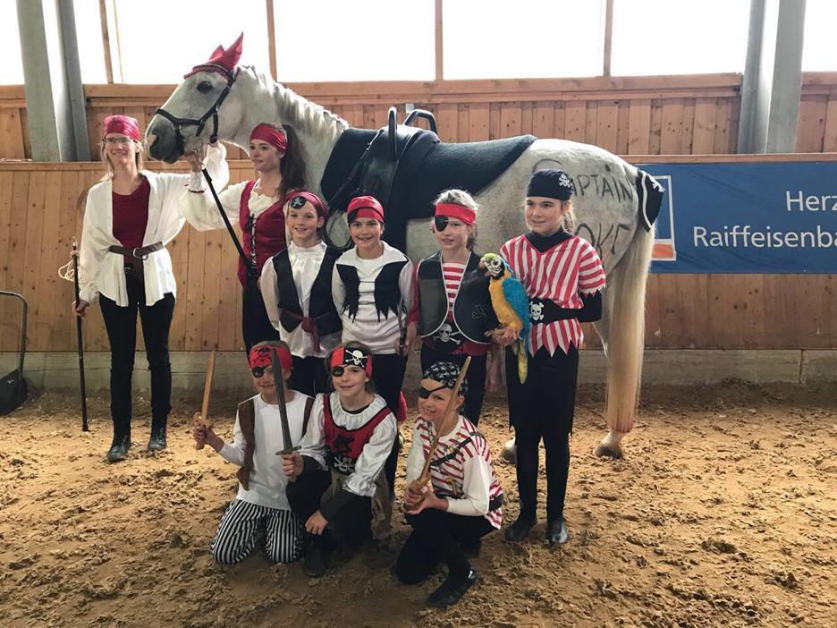 Eltern-Initiativen: Ab aufs Pferd mit dem Kind!