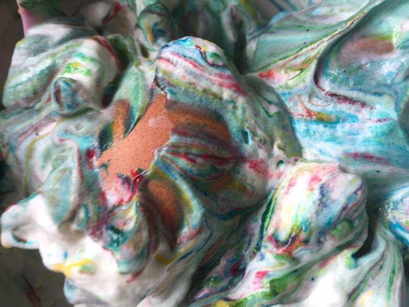 Ostereier färben Sahne Kinder