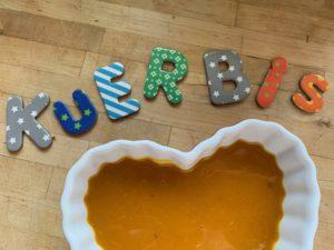 kürbissuppe-vegan_kürbissuppe-rezept_kürbissuppe-für-kinder_kürbissuppe-dattel