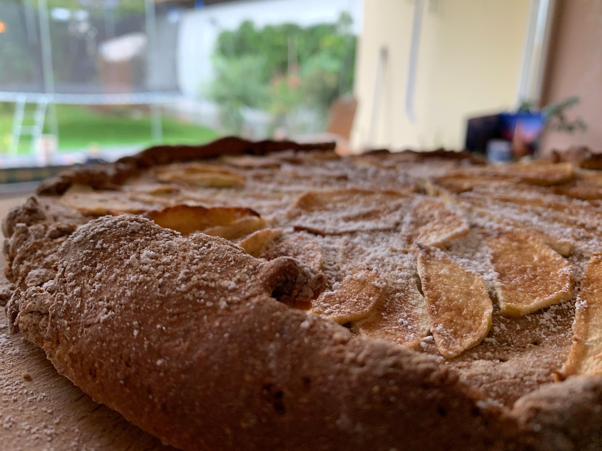 Einfacher Apfelkuchen ohne Zucker – ruckzuck-Variante mit Kichererbsen-Hefeteig